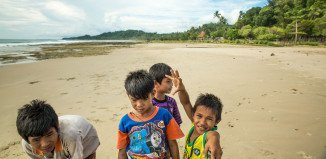 Simeulue children playing on the beach