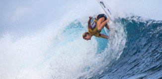 Steph Gilmore by Tom Servais