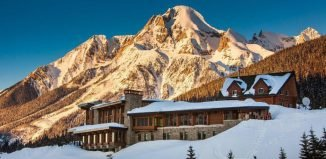 Mica Heliskiing luxury lodge