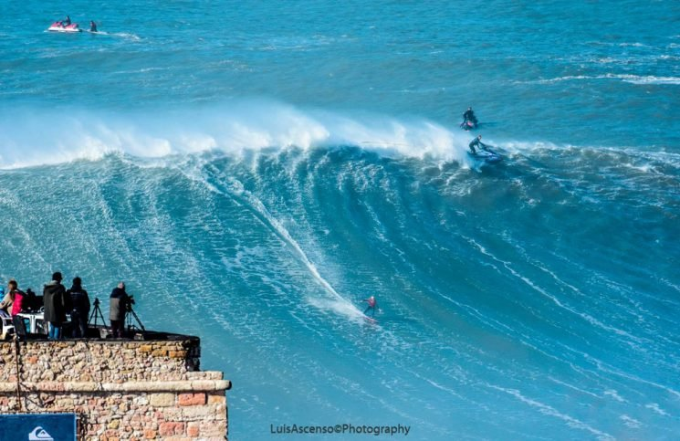 Biggest waves in Nazare